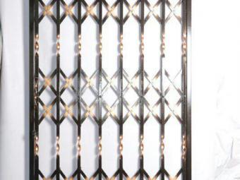 نمونه کارهای در و پنجره و حفاظ صنایع فلزی آریا در